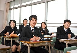 聖望学園高等学校制服画像